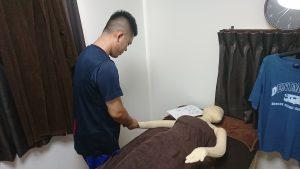腕のアロマトリートメントの練習
